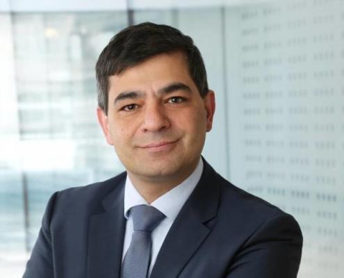 Privatdozent Dr. med. Behfar Eivazi