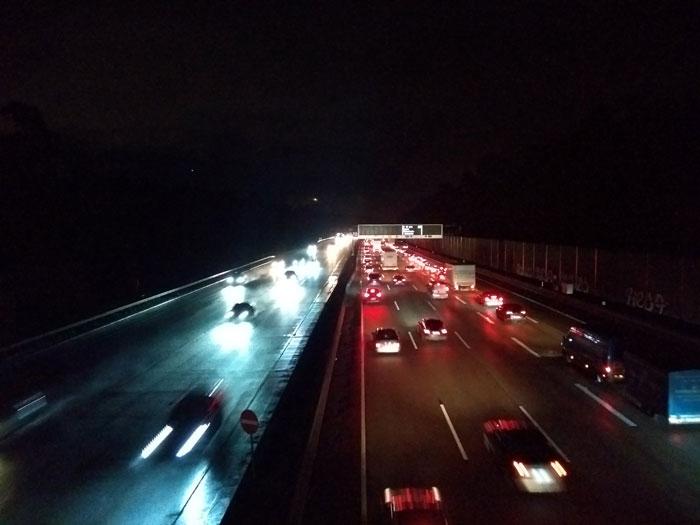 Autobahn Lärm nachts